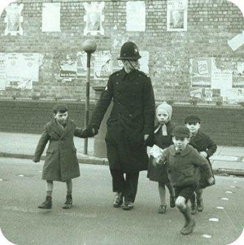 birminghams front line - pc crossing children